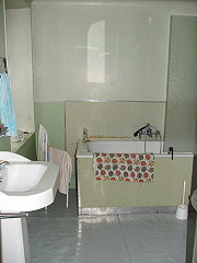 french-property-investment-31066Bathroom