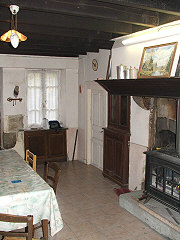 french-property-investment-31066dining