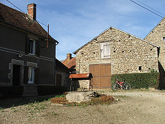 house-for-sale-france-31065frontgarden
