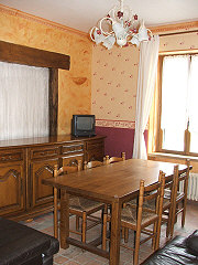 houses-for-sale-france-31035dining
